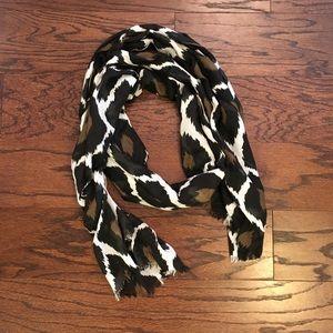 Beautiful printed lightweight scarf